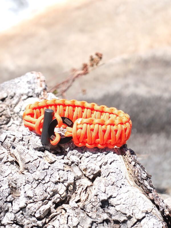 Chums Smokey Fire Starter Paracord Bracelet Review