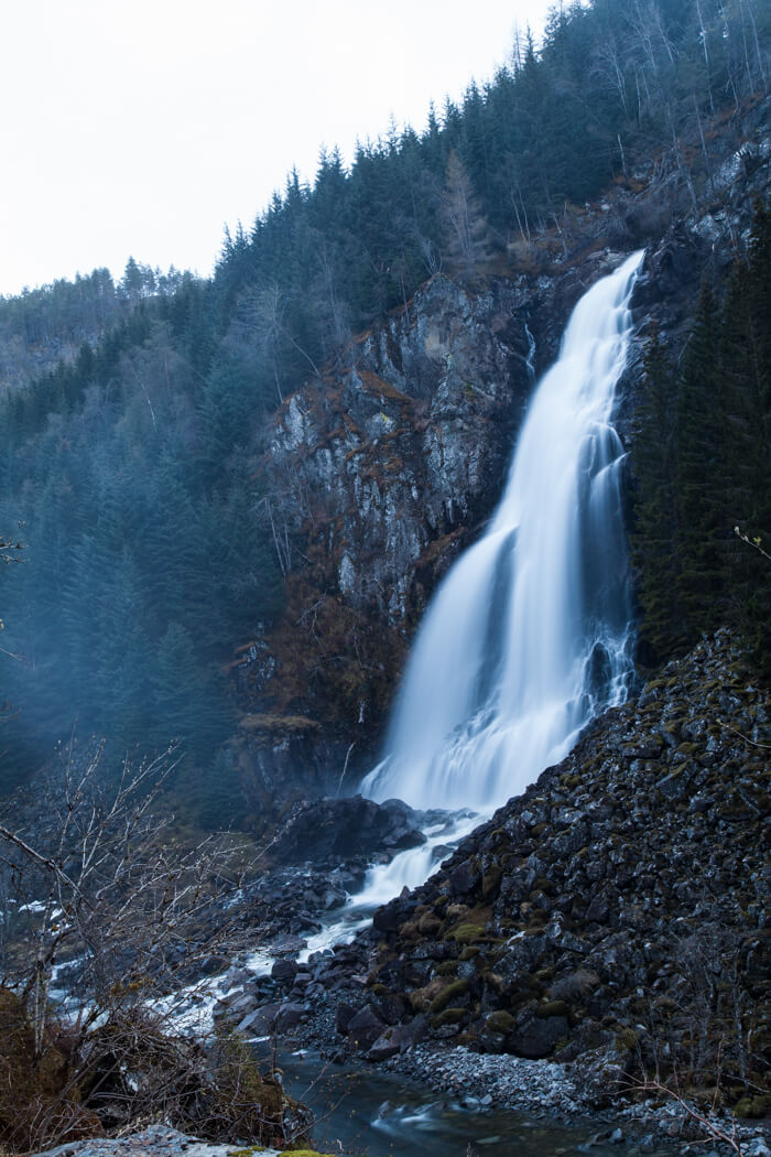 Låtefossen: Norway's twin waterfalls
