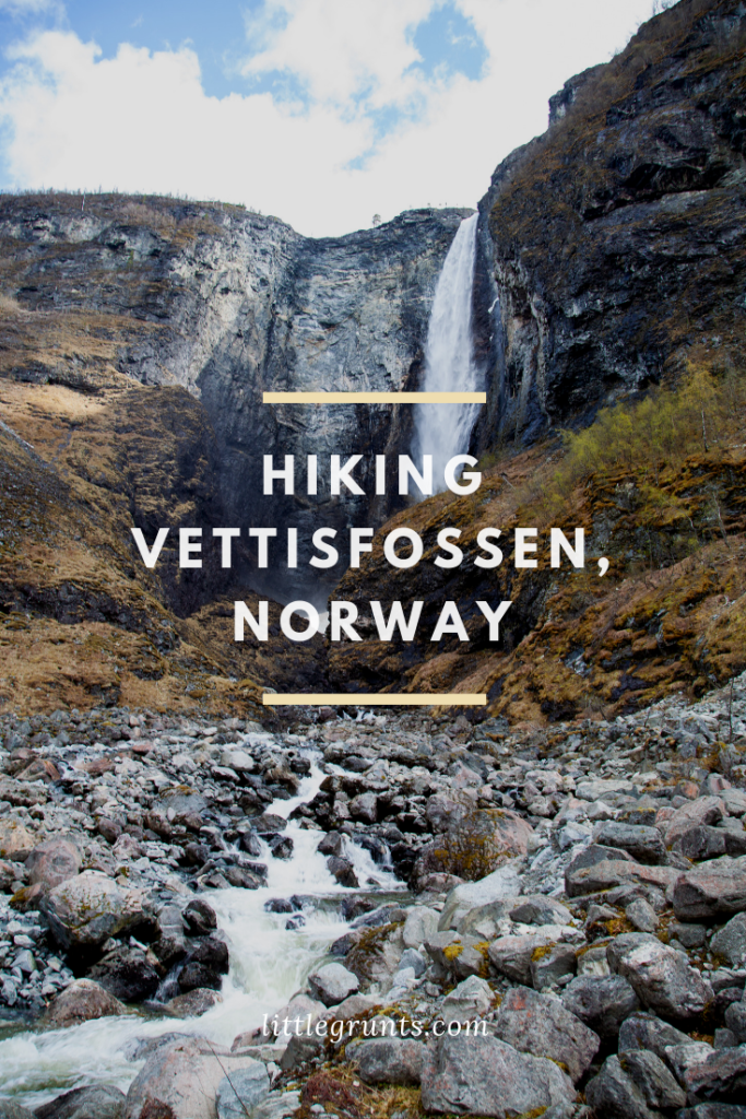 Hiking Vettisfossen