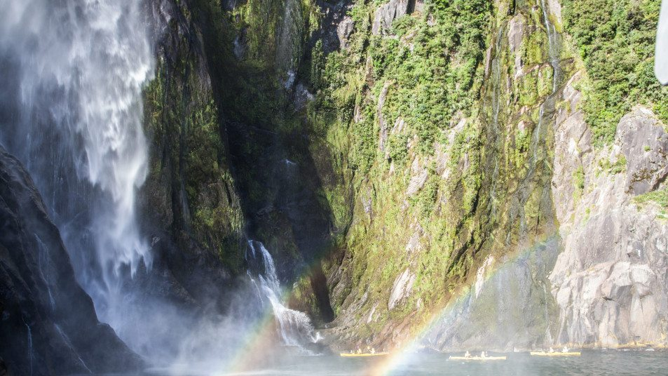 Cruising Milford Sound Mitre Peak Cruises