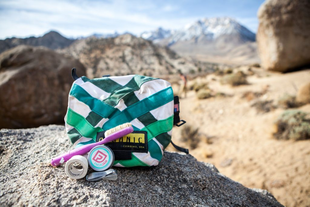 Climbing Bouldering Kit Essentials Organic Chalk Bucket